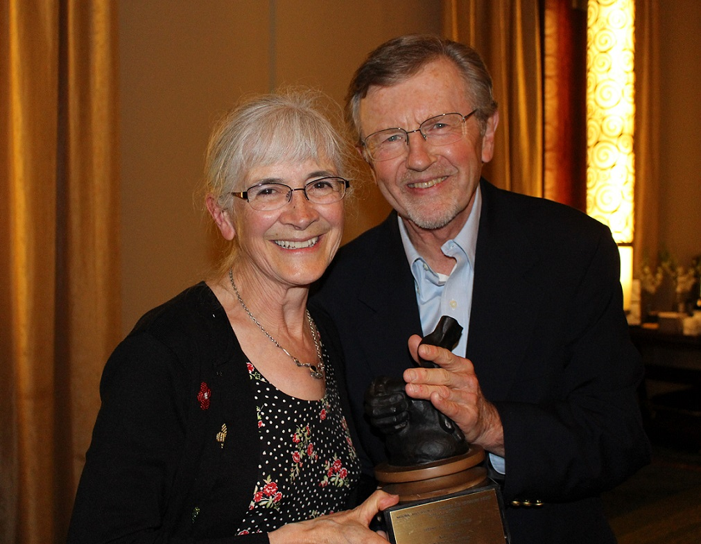 Kay Pranis Receives the Lifetime Achievement Award from Pres. Umbreit